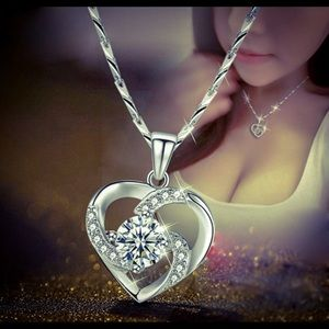 S925 Silver Heart Shaped Diamond Necklace